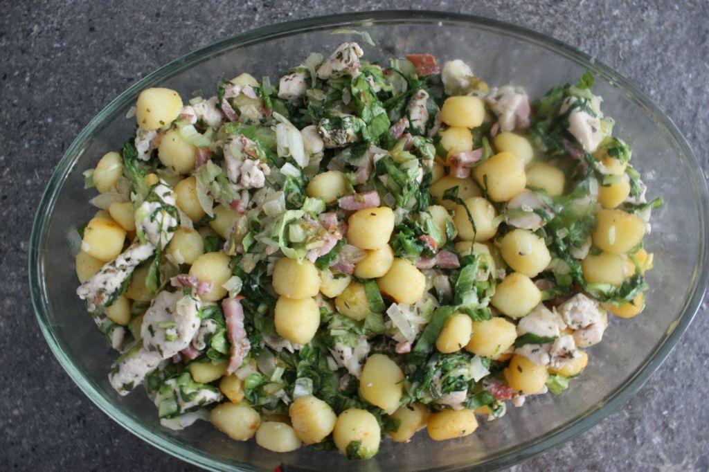 Ovenschotel met andijvie, kip en aardappeltjes
