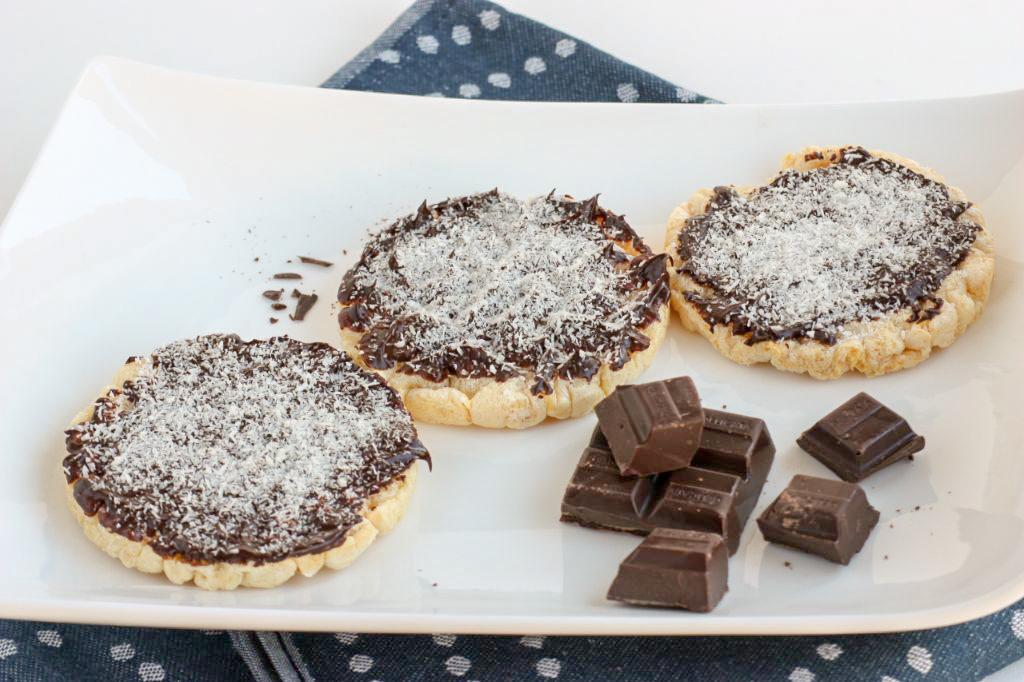 Chocolade rijstwafels met kokos
