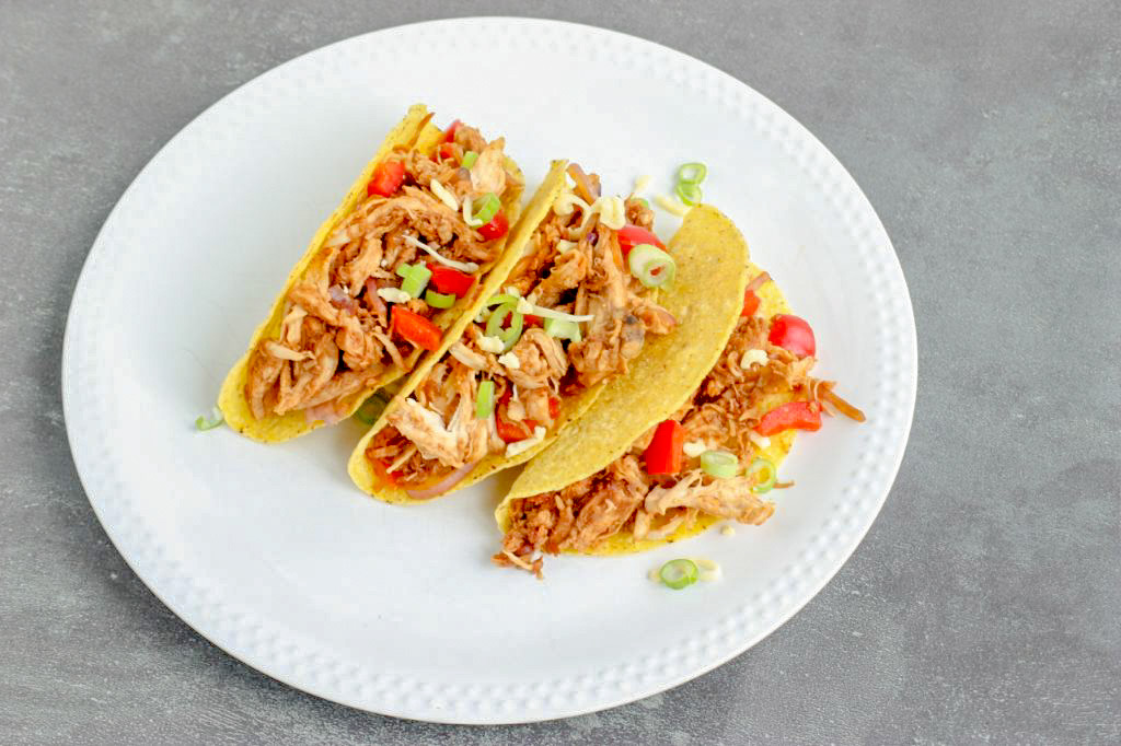 Taco's met pulled chicken