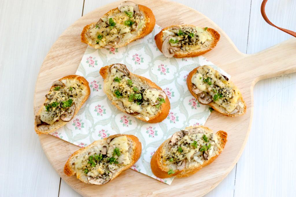 Bruschetta met champignons